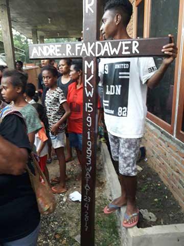 Pemakaman Andre R Fakdawer.