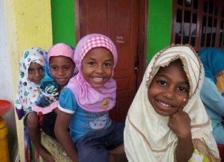 Anak-anak panti asuhan Papua.