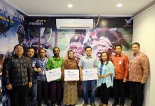AXA Mandiri menyerahkan klaim ke 3 ahli waris di Kota Sorong, Papua Barat.
