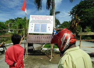 Pemalangan kantor Bupati Sorsel akibat belumt tuntasnya masalah ganti rugi lahan mengganggu jalannya pemerintahan.