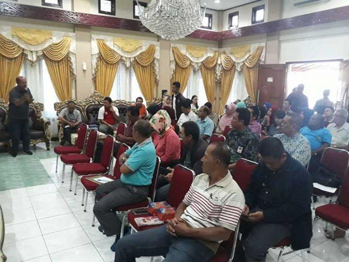 Rapat kesiapan stok bahan pokok Manokwari, Jumat (24/11).