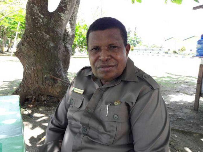 Ketua BKD DPRD Kaimana, Dominggus Ruwe.
