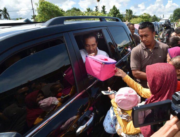 Presiden Joko Widodo dalam kunjungan di Nabire, Provinsi Papua, Rabu (20/12). (Foto: ist/RUsman - Biro Pers Setpres.)