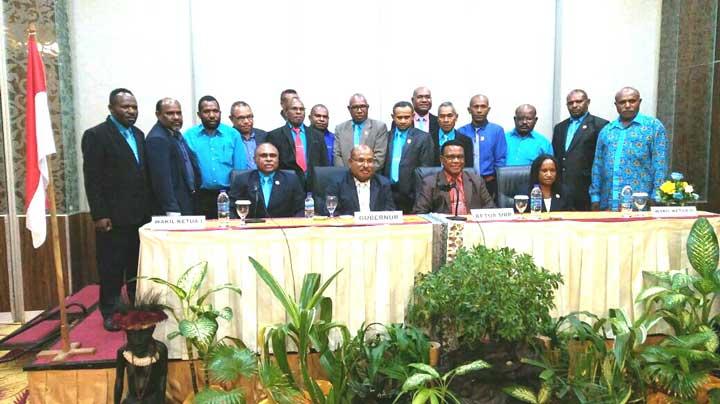 Anggota MRP 2017-2022 perwakilan Agama.