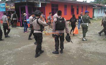 BNN bersama TNI/Polri dalam Operasi Bersinar di lokalisasi 55 Maruni, Sabtu (2/12).