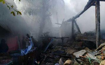 Rumah Mansyur Ahmad Atamimi di Kota Sorong ludes terbakar.