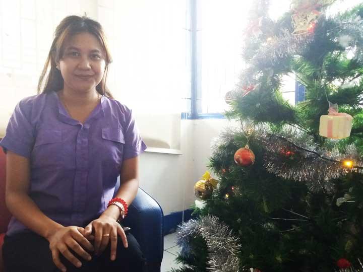Sales Representative Sriwijaya Air Manokwari District,  Nadyah Nur Safitri.