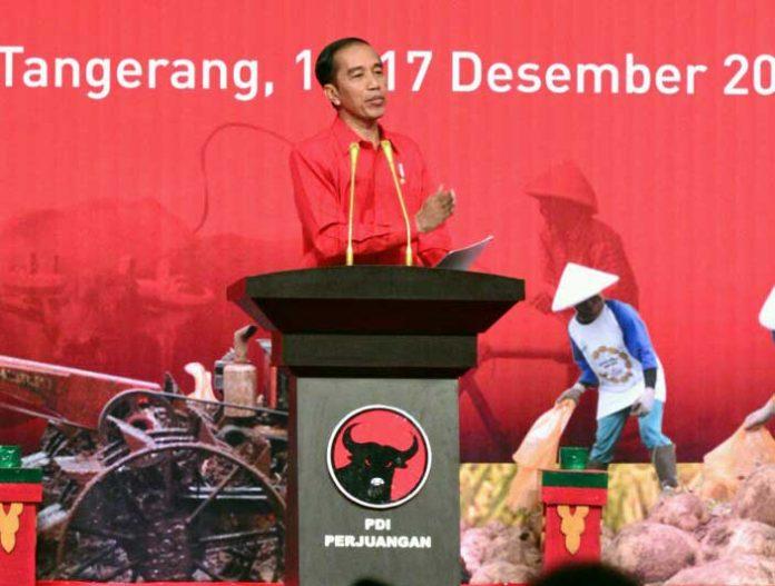 Presiden Joko Widodo dalam Rakornas Tiga Pilar PDI-Perjuangan, di Indonesia Convention Exhibition (ICE) BSD, Tangerang, Sabtu (16/12).