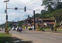 Traffic light di Bintuni ini usianya baru sekira sebulan tapi sudah tak berfungsi.