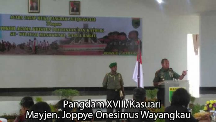 Pangdam XVIII/Kasuari Mayjen Joppye Onesimus Wayangkau.