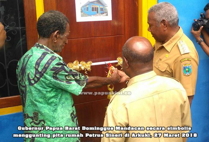 Gubernur Papua Barat resmikan renovasi rumah