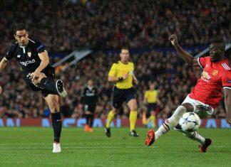 Wissam Ben Yedder saat mencetak gol pertamanya k egawang Manchester United, Rabu (14/3) dini hari tadi.