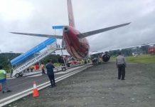 Batik Air PK-LAJ gagal take off dari Bandara Rendani, Manokwari, Papua Barat, menuju Sorong, Selasa (13/3). (foto: hendrik)