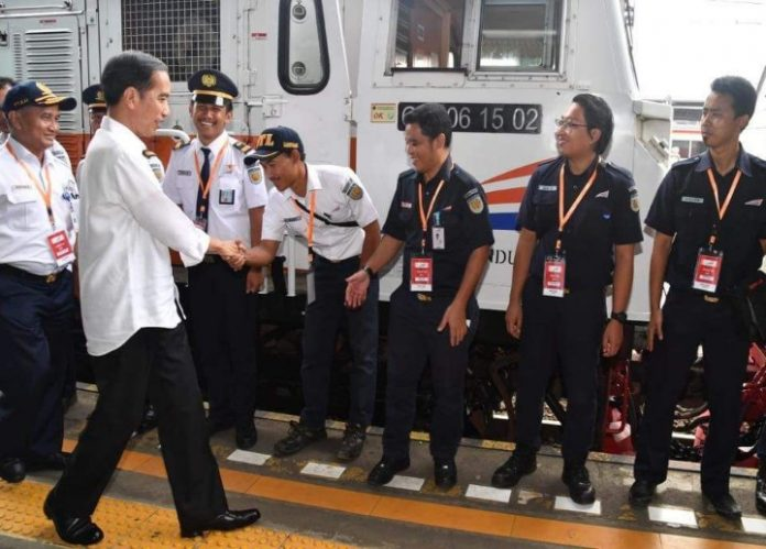 Presiden Jokowi Kunker ke Sukabumi Naik Kereta Api