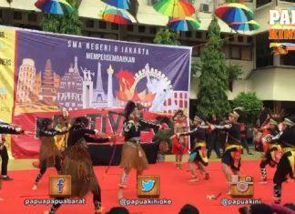 Tarian Papua Meriahkan Festival Budaya 8