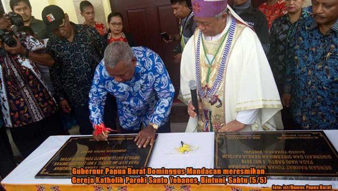 Resmikan Gereja Katholik di Bintuni, Gubernur Ingatkan Soal Sampah dan Hutan