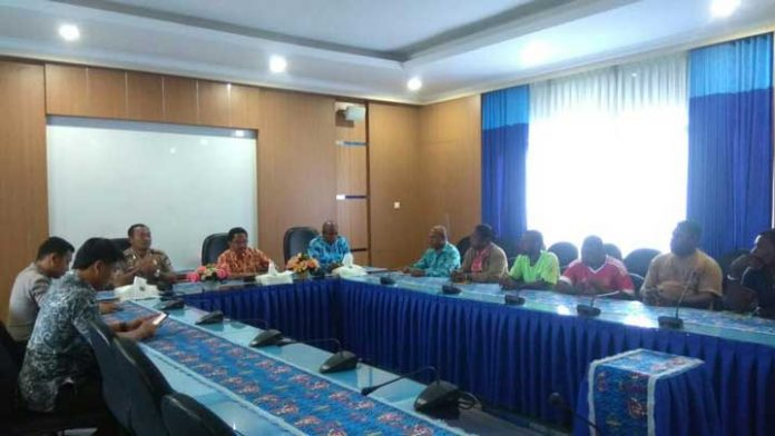 Wakil Bupati Dan Kapolres Bahas Ganti Rugi Distrik Mayakuk