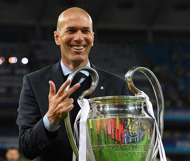 Zinedine Zidane Mundur Dari Real Madrid