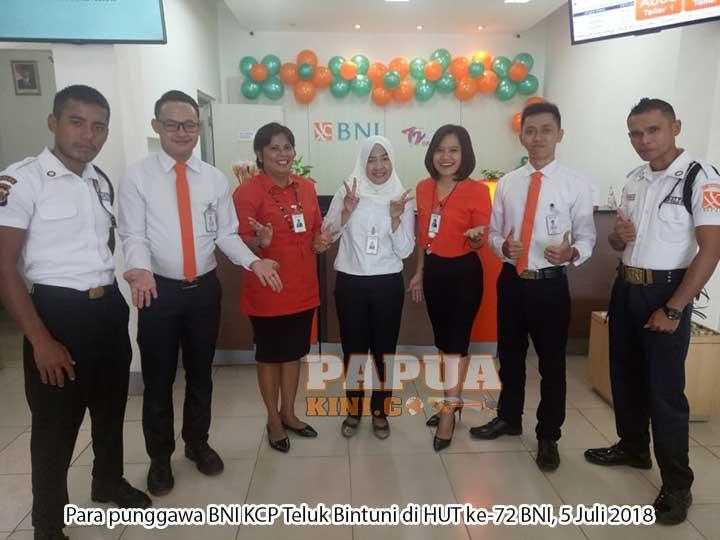 HUT ke-72 BNI KCP Bintuni Bagi-bagi Hadiah