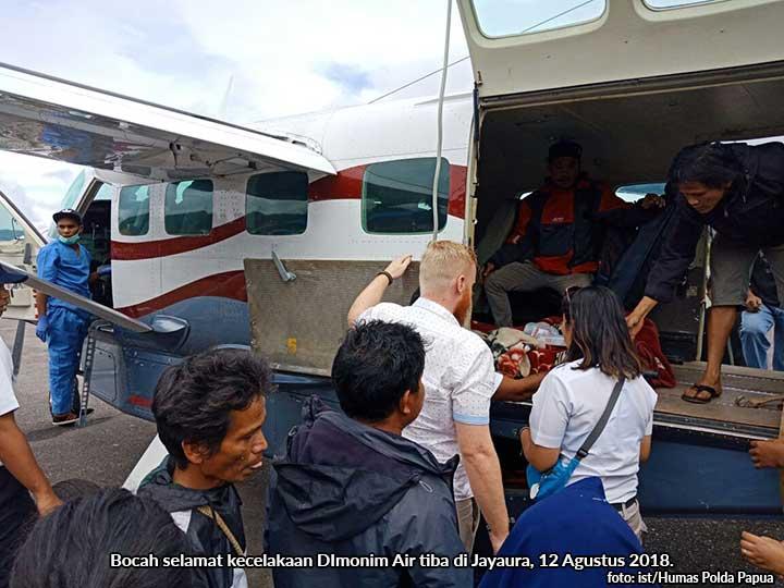Bocah Selamat Dimonim Air Tiba di Jayapura, Pilot dan Co Pilot Besok
