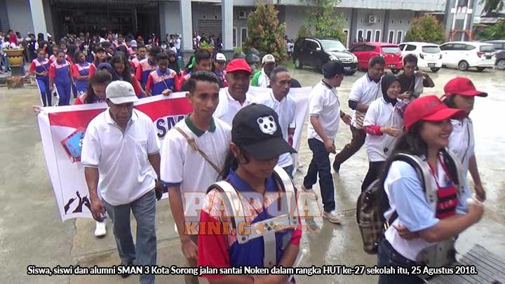 Jalan Santai Noken SMAN 3 Kota Sorong Wujud Pelestarian Budaya Papua
