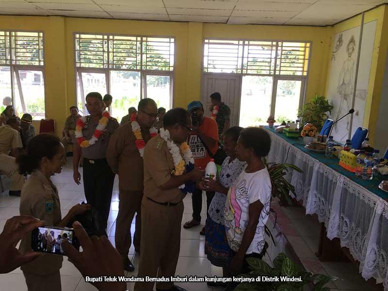 Bupati Wondama Ingatkan Rehab SMPN Windesi Harus Selesai Tahun Ini