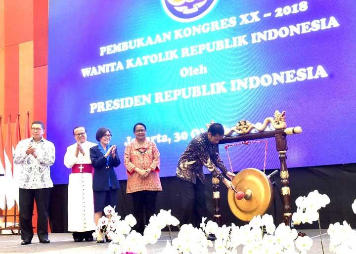 Di Kongres WKRI Presiden Jokowi Ungkap Alasan Kenapa Banyak Menteri Perempuan