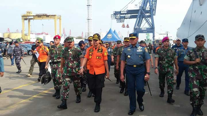 Panglima TNI dan Kabasarnas Pimpin Langsung Operasi SAR Lion Air