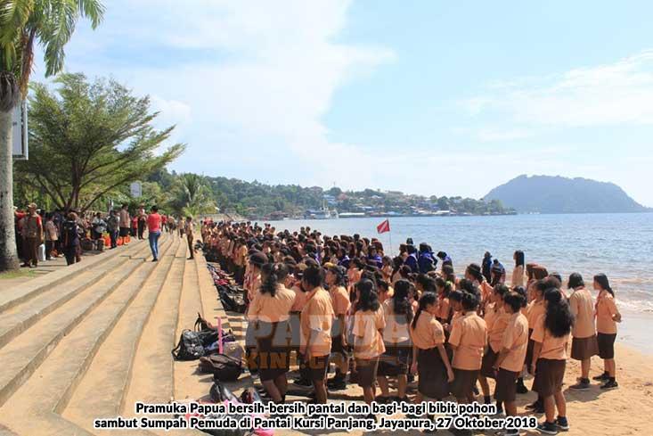 Peringati Sumpah Pemuda Pramuka Papua Baksos