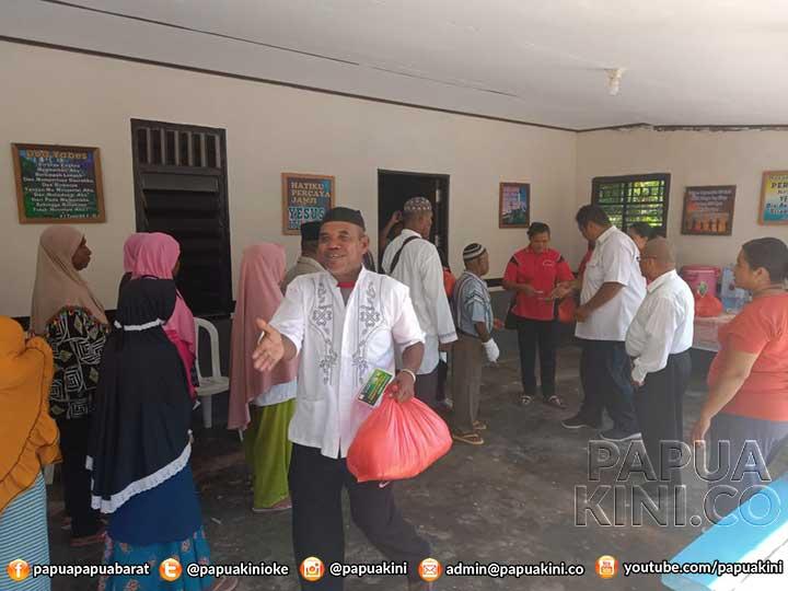 Gereja El-Shaday Kaimana Beri Bapok Gratis Untuk Keluarga Muslim