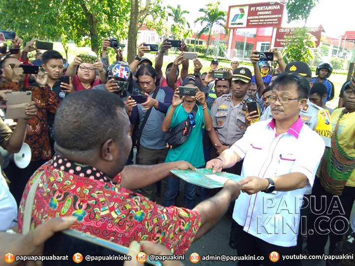 Masyarakat Ancam Palang Pertamina Manokwari, Tuntut Bayar 719 Miliar