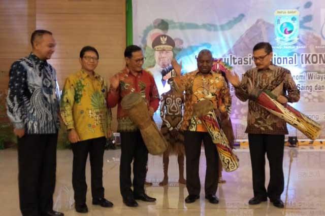 Pertumbuhan Ekonomi Hanya 1,31%, Gubernur Papua Barat Ajak Sulampua Dorong Optimalisasi Potensi