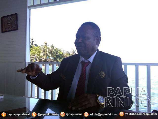 Anggota MRPB Rafles Yewen Bantah Selingkuh Dengan Staf