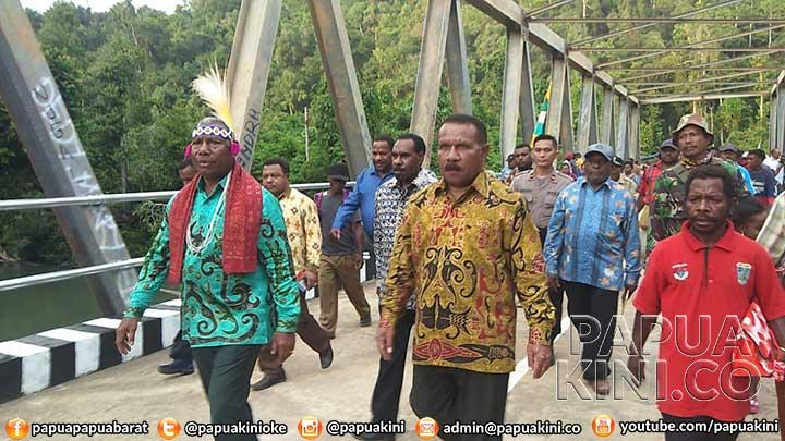 Bupati Tambrauw Bilang Tak Ada Pimpinan DPRD Pecat Kepala Kampung