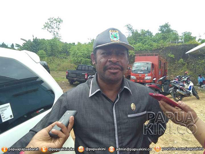 Ketua DPR Papua Barat Siap Kembalikan Aset Dinas