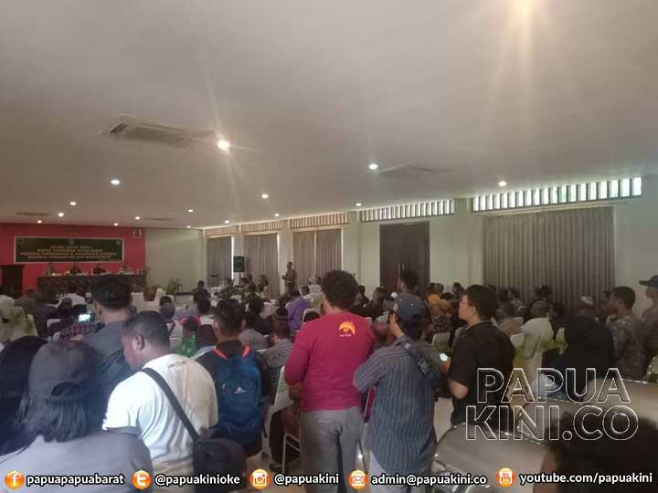 Gubernur Papua Barat: Ricuh di Manokwari Manfaatkan Anak Usia SMP dan SMA