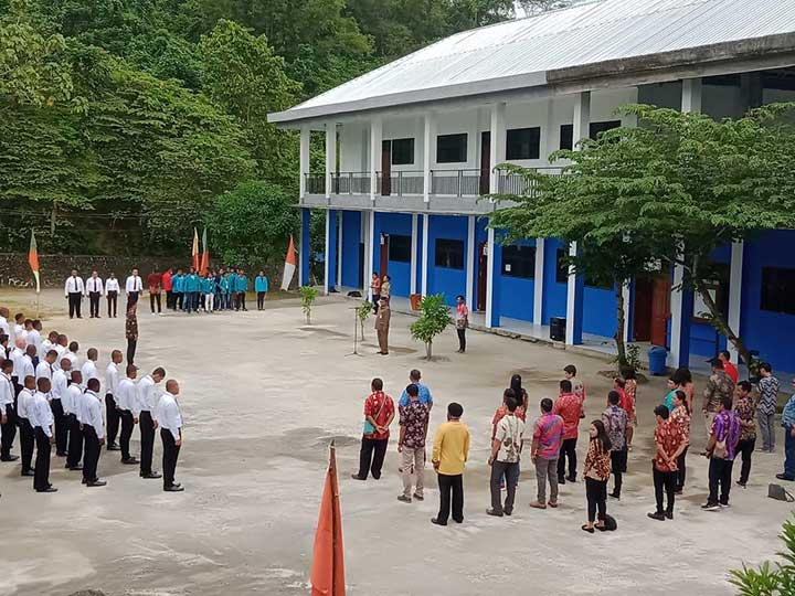 Ratusan Mahasiswa STIE Mah Eisa dan STIH Bintuni Ikut PKKMB