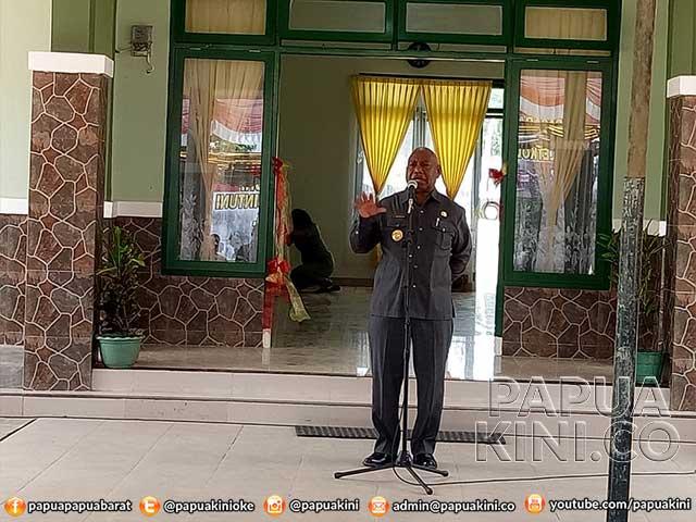 Gubernur Ajak 7 Suku Bintuni Jaga Keamanan Ketertiban
