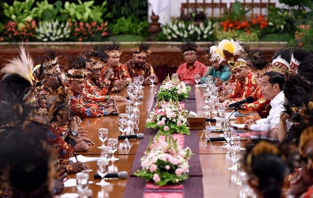 Presiden Jokowi Akan Tempatkan 1.000 Sarjana Muda Papua di BUMN