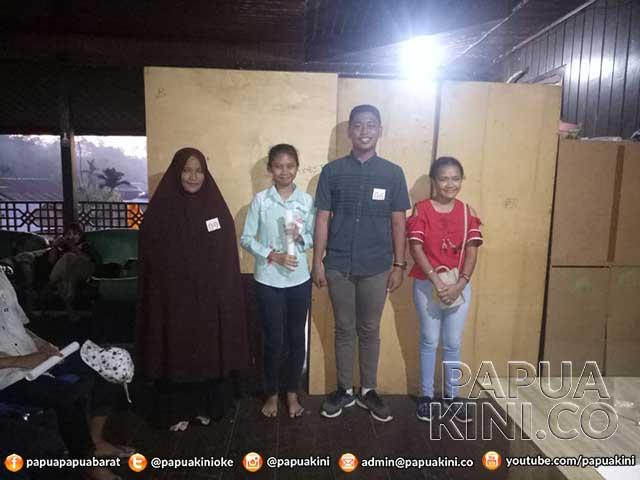 Cici Hamdayani Juara Lomba Baca Berita HBR RRI Teluk Bintuni
