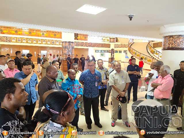 Sekprov Papua Barat Sempat 'Panas' Gara-gara Pernyataan Oknum Kontraktor OAP