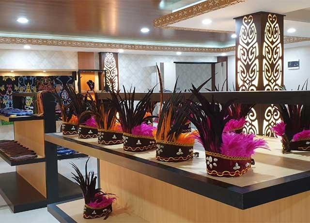 Indahnya Produk Kerajinan Daerah Dekranasda Papua Barat Buat Ibu Negara Iriana Jokowi