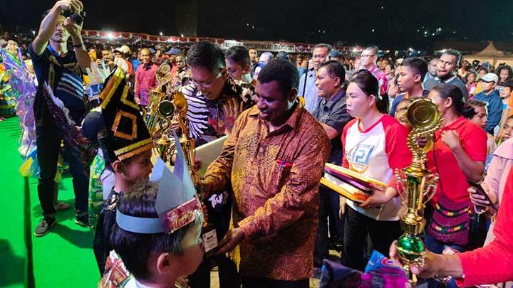 Ribuan Warga Hadiri Pesta Rakyat HUT Manokwari