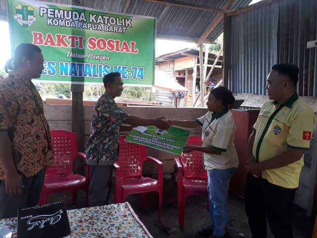 Pemuda Katolik Papua Barat Baksos HUT ke-74 di Kampung Merejemek
