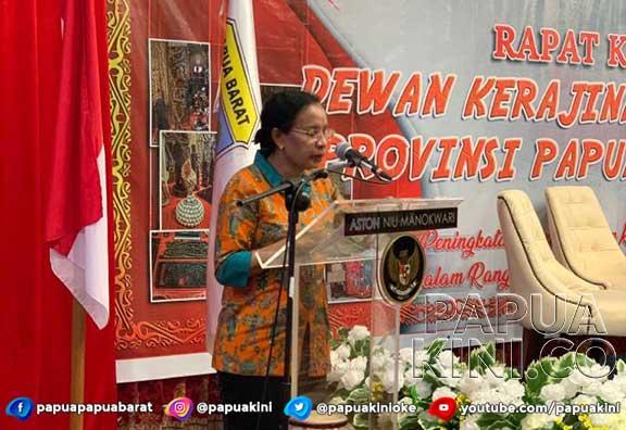 Tutup Rakerda, Ketua Dekranasda Papua Barat Ingatkan Harus Mampu Berkarya