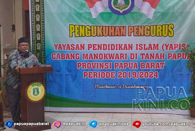 Wakil Ketua Yayasan Pendidikan Islam (Yapis) di Tanah Papus, Aziz Bauw SH MH