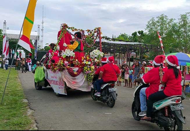 Meriahnya Karnaval Santa Klaus 1 Desember di Manokwari