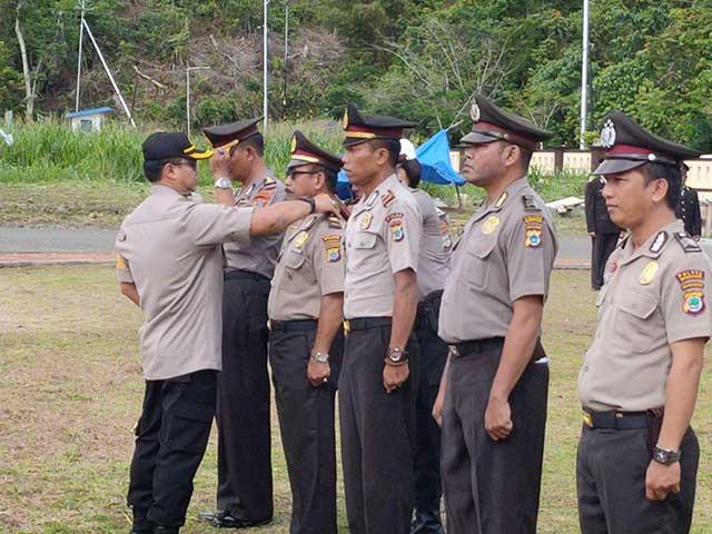 61 Anggota Polres Manokwari Naik Pangkat