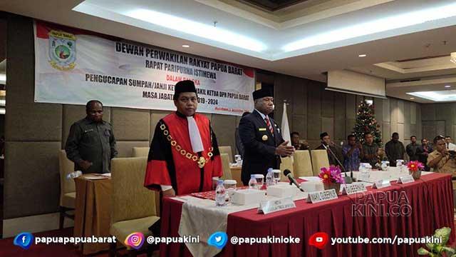 Pimpinan DPR Papua Barat Dilantik, Gubernur Minta Hilangkan Kompetisi Demokrasi Jurang Pemisah