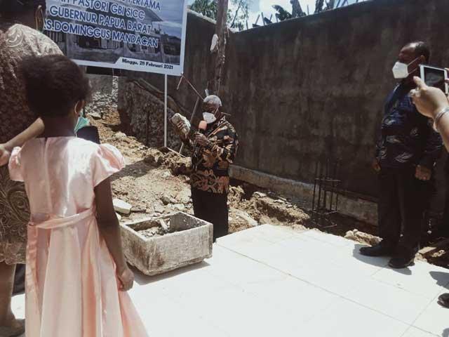 Gubernur Letakkan Batu Pertama Pastori GBI Sorong International Christian Community